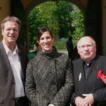 Bürgermeister Marcus Mombauer, Modeatorin Sonja Merz, Zauberer J.W. Urbahn auf dem Tag der Vereine Rösrath